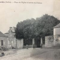 PLace des Tisserands et Entrée du Château