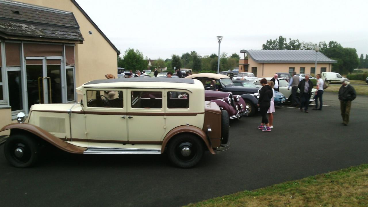 rassemblement voitures anciennesM