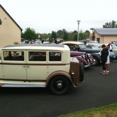 Rassemblement voitures anciennes à Lavardin
